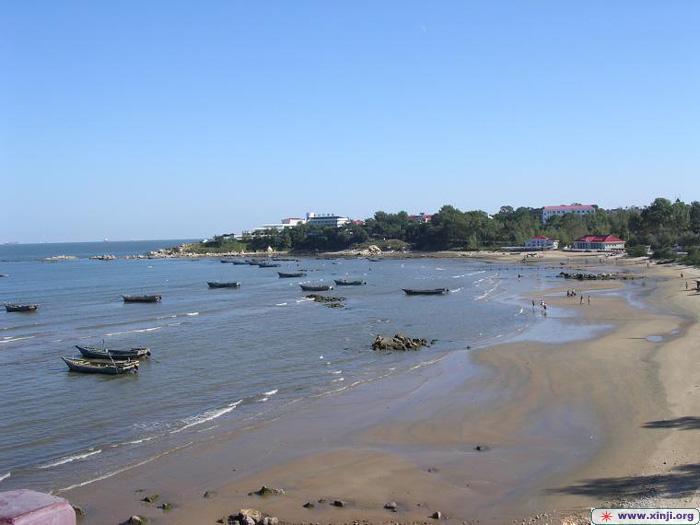 北戴河是秦皇岛市的一个区,面积不大, 70.